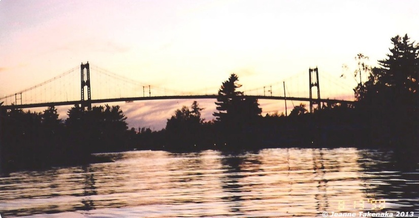 The international bridge between the United States and Canada
