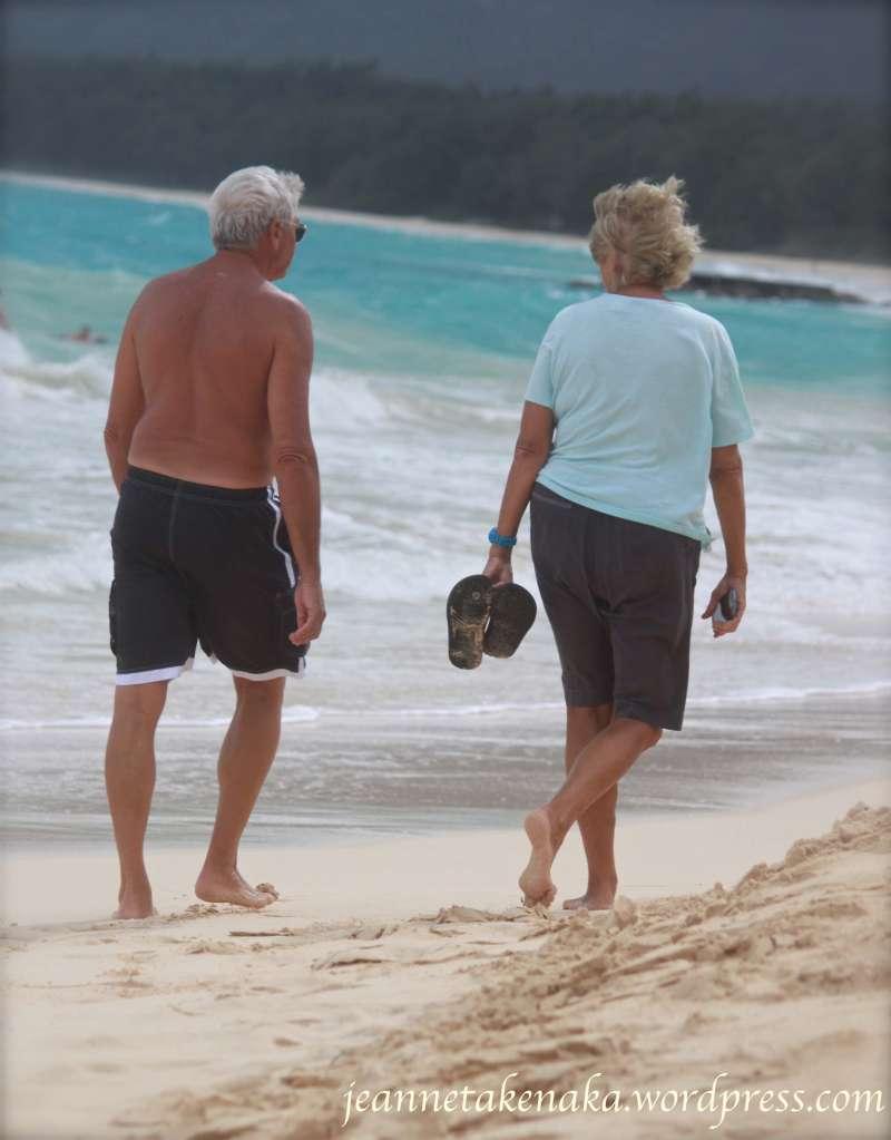 couple-beach-walking