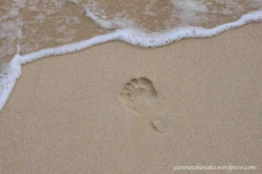 footprint-facing-waves