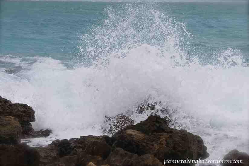 wave-crash-on-rock