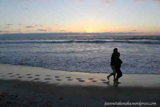couple-sunset-beach-walk